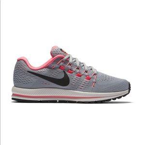 Nike women's Zoom Vomero 12